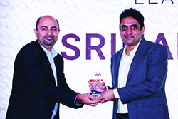 SRIHARI PALANGALA, DIRECTOR & HEAD OF MARKETING, DELL EMC RECEIVES ENTERPRISE IT CMO AWARDS 2017 FROM BHARAT B ANAND, CIO & CTO, MINISTRY OF HOME AFFAIRS, GOVT. OF INDIA