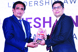 SHREESHA NAGAR, SENIOR MANAGER – MARKETING, EATON INDIA FOR BEING WINNER OF EMERGING CMO AWARD FROM @SANJIB MOHAPATRA, PUBLISHER & DIRECTOR, ACCENT INFO MEDIA PVT. LTD.